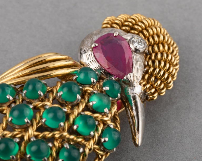 Gold Ruby Diamonds and Agate Vintage Bird Brooch For Sale 1