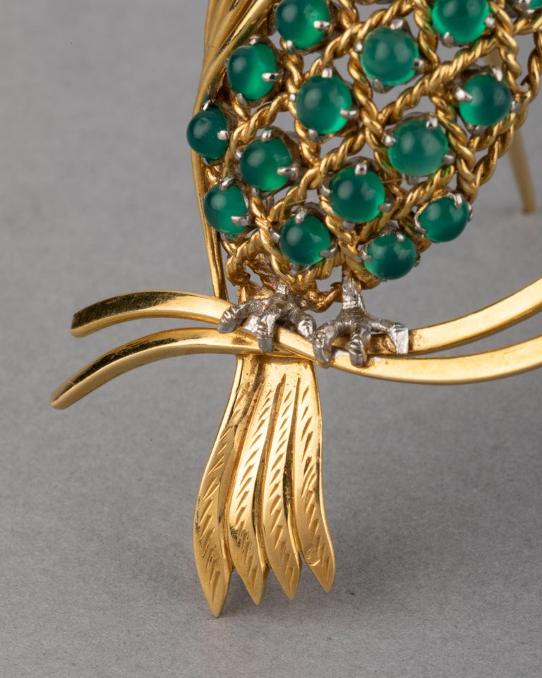 Gold Ruby Diamonds and Agate Vintage Bird Brooch For Sale 2