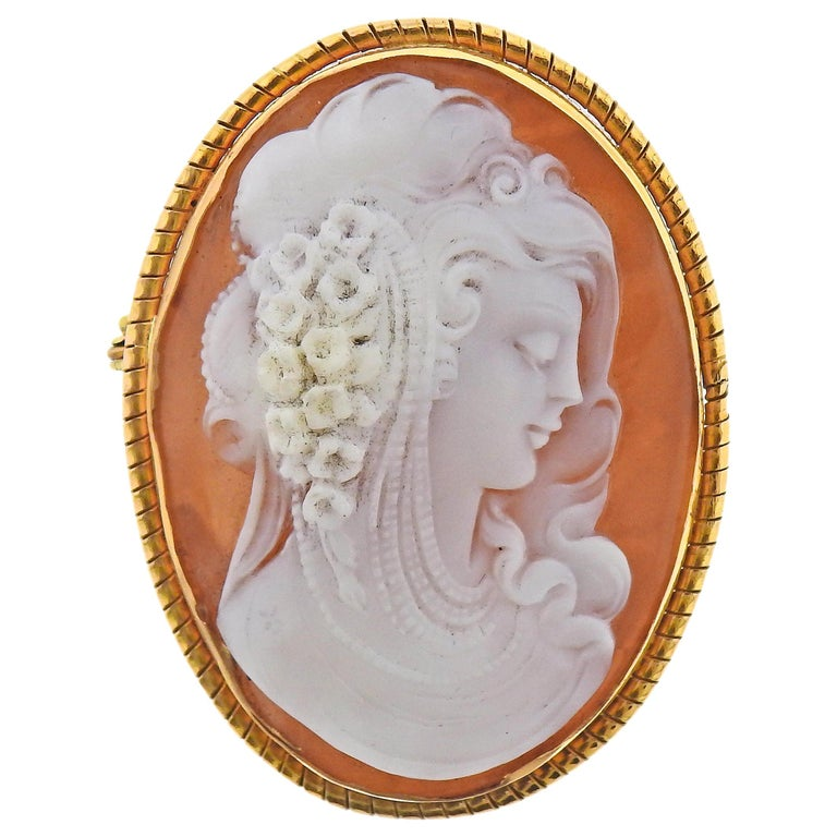 Gold Shell Cameo Pendant Brooch For Sale