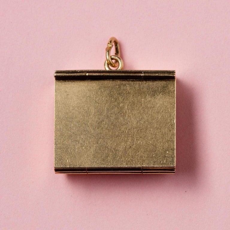 Gold Six-Way Envelop Locket For Sale 2