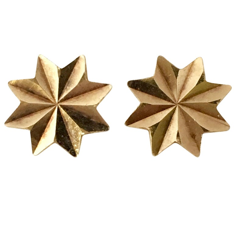 Gold Star Stud Earrings 1970s Vintage Jewelry Celestial For Sale