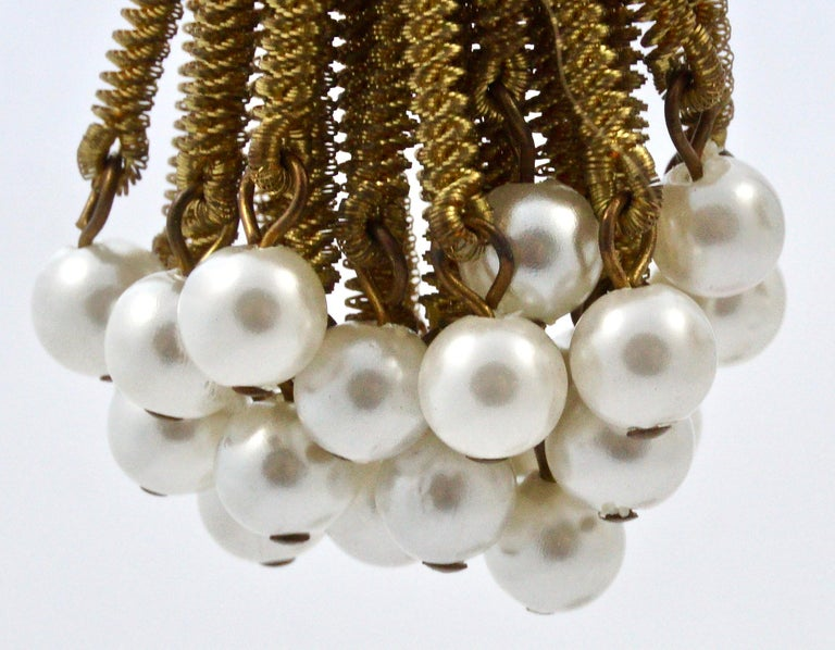 Gold Tone Clip On Chandelier Earrings with Golden Strands and Faux Pearls 1960s In Good Condition For Sale In London, GB