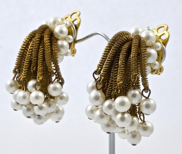 Gold Tone Clip On Chandelier Earrings with Golden Strands and Faux Pearls 1960s For Sale 1