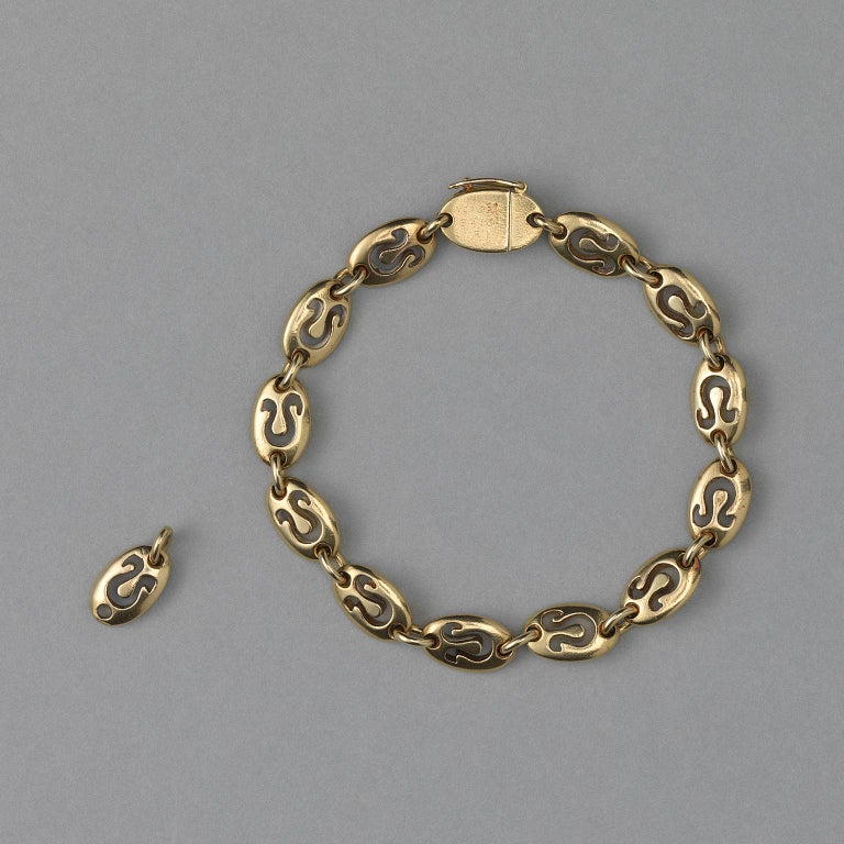 Gold Van Cleef & Arpels Leo Zodiac Bracelet In Good Condition For Sale In Amsterdam, NL
