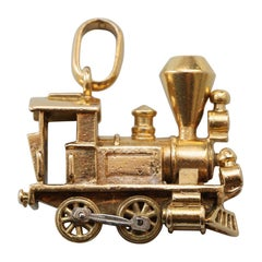 Gold Van Cleef & Arpels Locomotive Charm