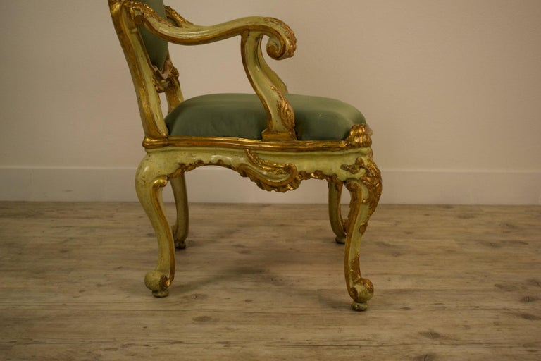 Golden and Lacquered Wood Venetian Armchair, 18th Century For Sale 6