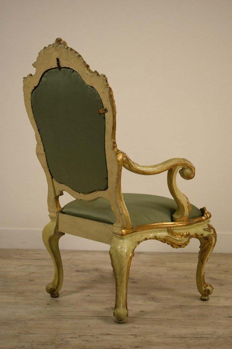 Golden and Lacquered Wood Venetian Armchair, 18th Century For Sale 7