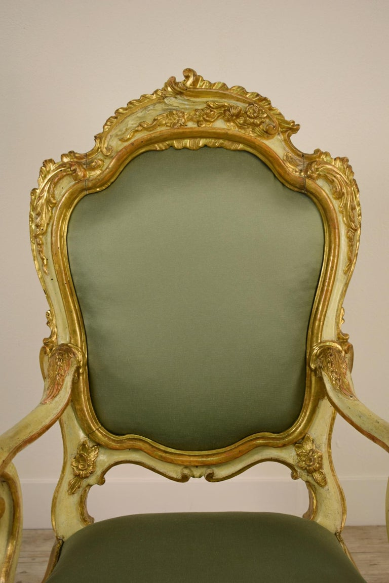 Golden and Lacquered Wood Venetian Armchair, 18th Century For Sale 2