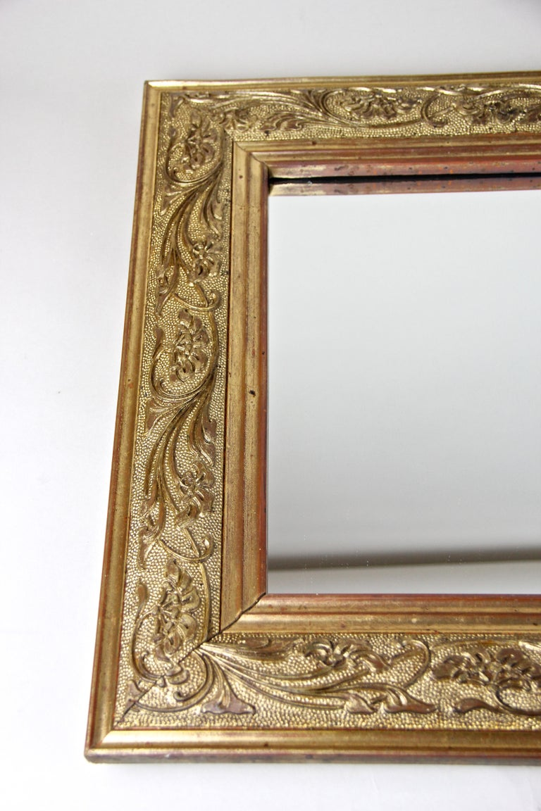 Golden Art Nouveau Mirror, Austria, circa 1900 For Sale 1