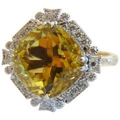 Golden Beryl and White Diamond 18 karat Cocktail Engagement Ring
