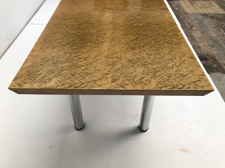 Golden Burlwood Dining table or Desk Giovanni Offredi for Saporiti, 1980s For Sale 2