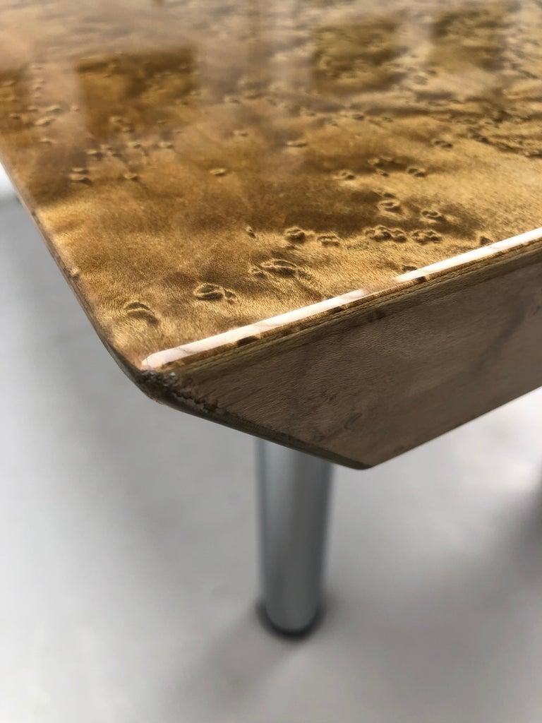 Golden Burlwood Dining table or Desk Giovanni Offredi for Saporiti, 1980s For Sale 3