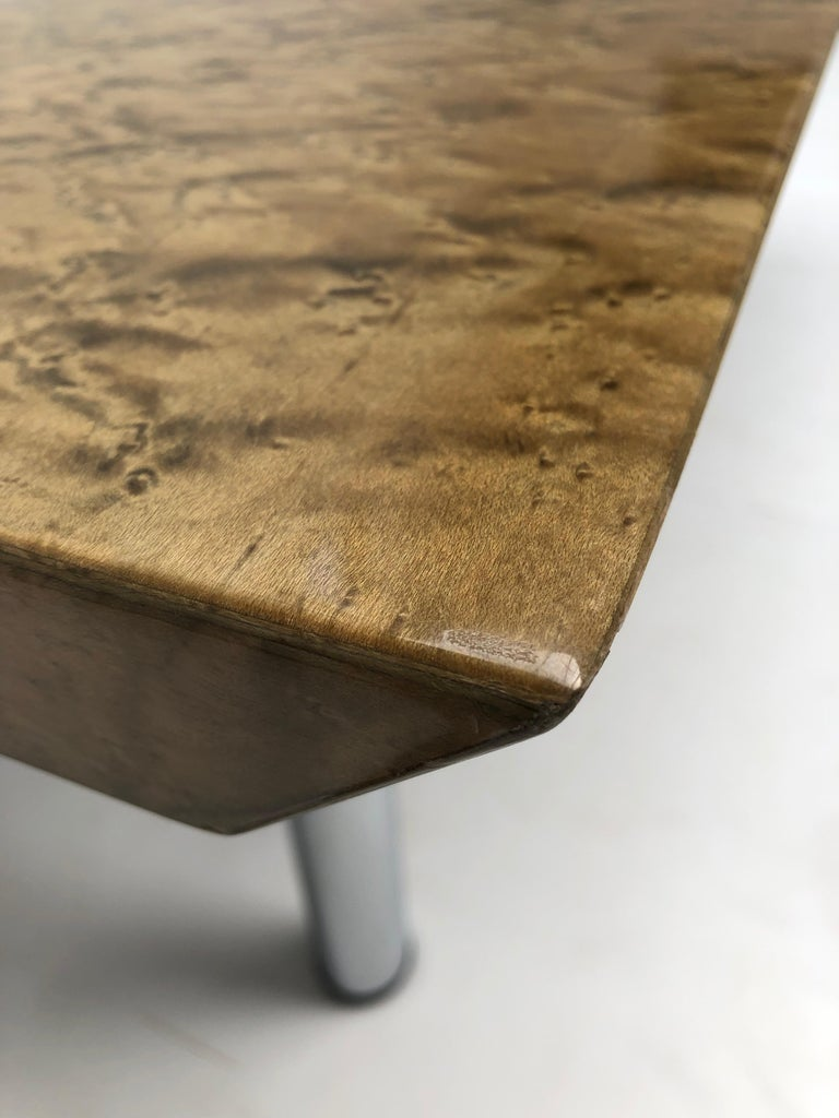 Golden Burlwood Dining table or Desk Giovanni Offredi for Saporiti, 1980s For Sale 6