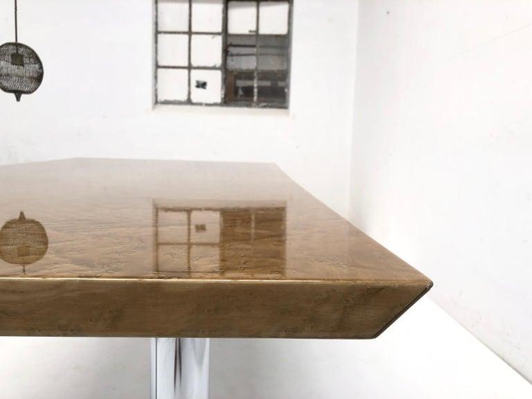 Mid-Century Modern Golden Burlwood Dining table or Desk Giovanni Offredi for Saporiti, 1980s For Sale