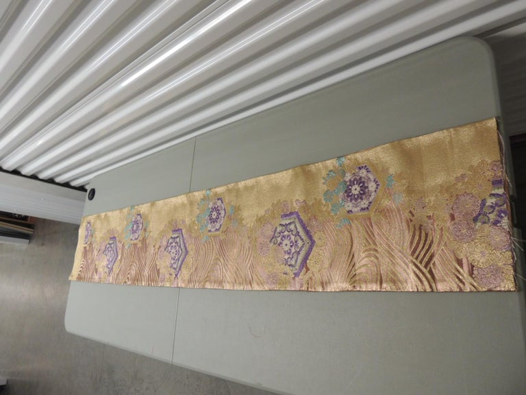 Long Golden Textured Woven Obi Textile Depicting Flowers in Bloom In Good Condition For Sale In Wilton Manors, FL