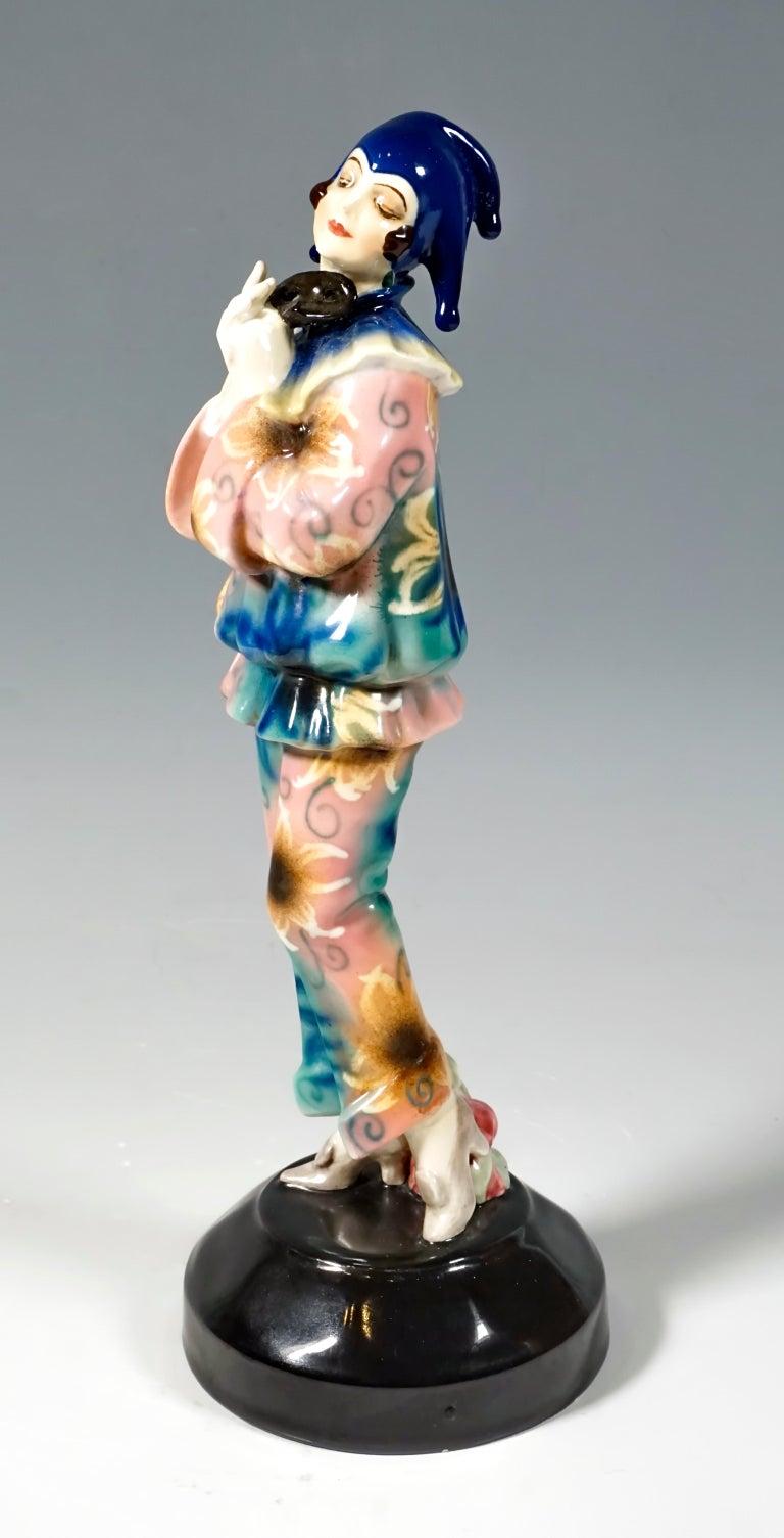 Goldscheider Art Deco Figurine 'Pierrette' by Dakon & Lorenzl, circa 1925 In Good Condition For Sale In Vienna, AT