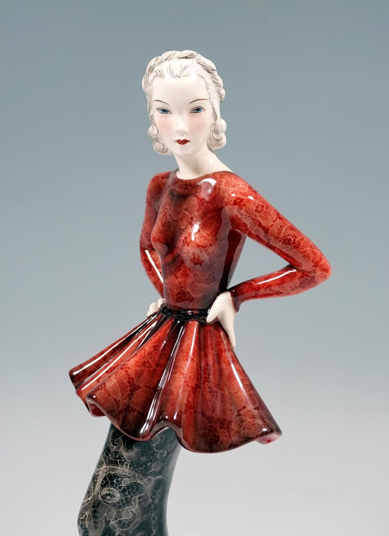 Goldscheider Vienna Art Deco Figurine 'Fashion Lady' by Claire Weiss, ca 1937 In Good Condition For Sale In Vienna, AT