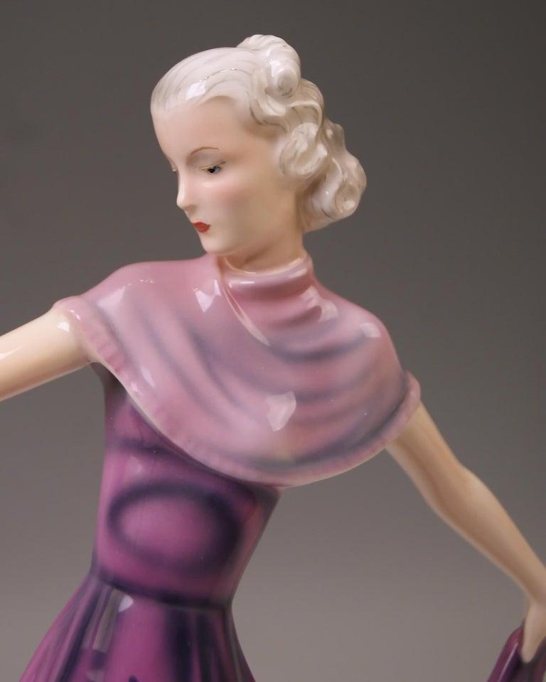 Goldscheider Vienna Dakon Lady Dancer Susette Lilian Harvey Model 8083 Made 1938 In Excellent Condition For Sale In Vienna, AT