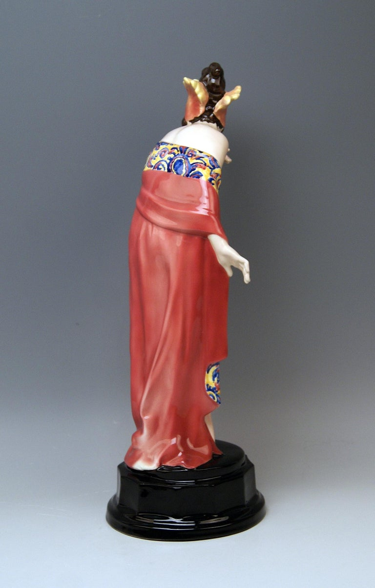 Painted Goldscheider Vienna Lady Nude Nr. 5060 Feathered Cap Fascination Thomasch For Sale