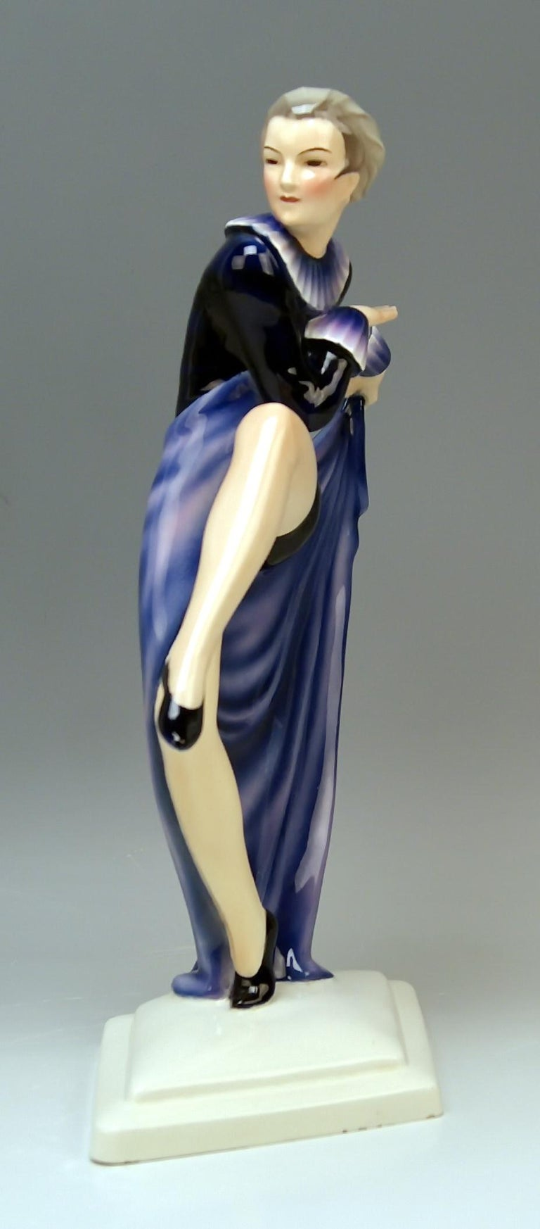 Austrian Goldscheider Vienna Lorenzl Lady Dancer With Arms Rear-Facing Model 6003 1930-35 For Sale