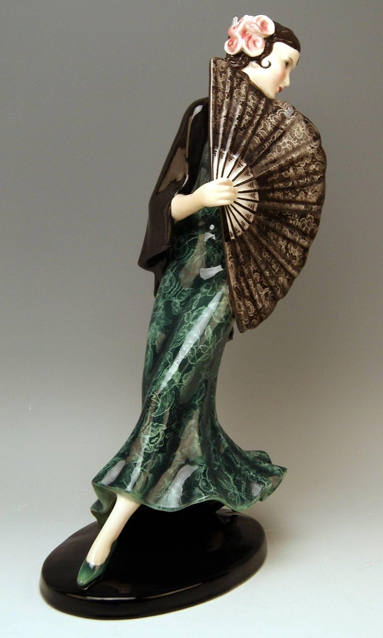 Art Deco Goldscheider Vienna Spanish Lady Dancer with Fan Dakon Model 7415, circa 1936 For Sale