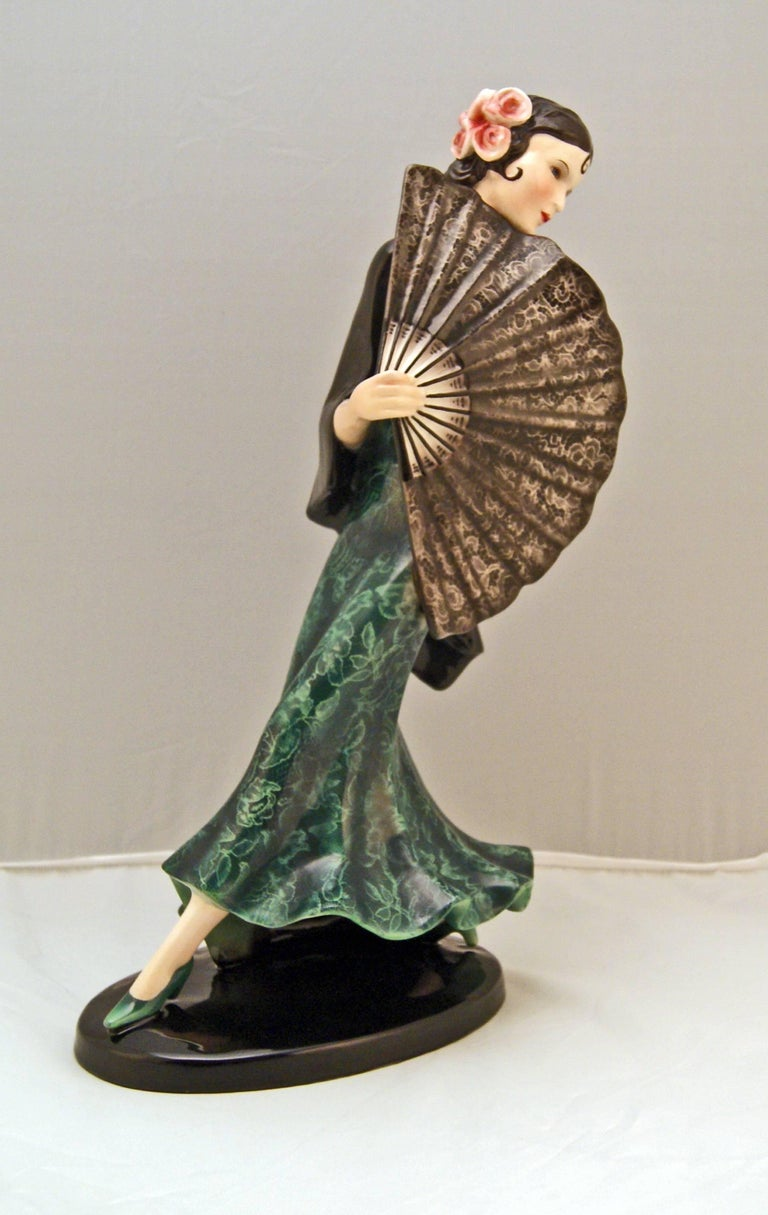 Austrian Goldscheider Vienna Spanish Lady Dancer with Fan Dakon Model 7415, circa 1936 For Sale