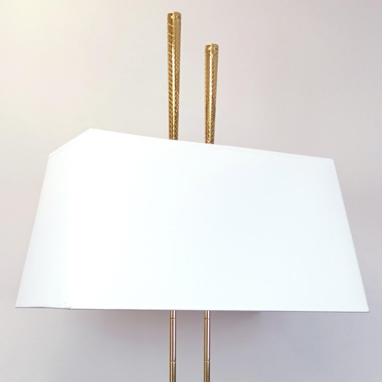 Golf Club Table Lamp in Polished Brass Finish For Sale 4