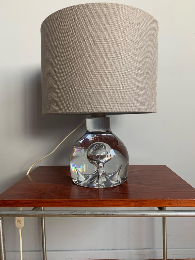 Good Size and Exceptional Design Italian Murano Glass Art Table Lamp, 1980s For Sale 6