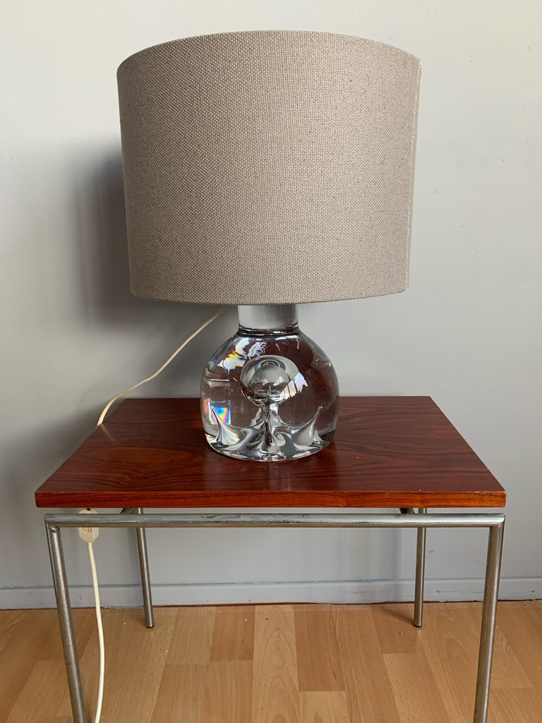 Good Size and Exceptional Design Italian Murano Glass Art Table Lamp, 1980s For Sale 7
