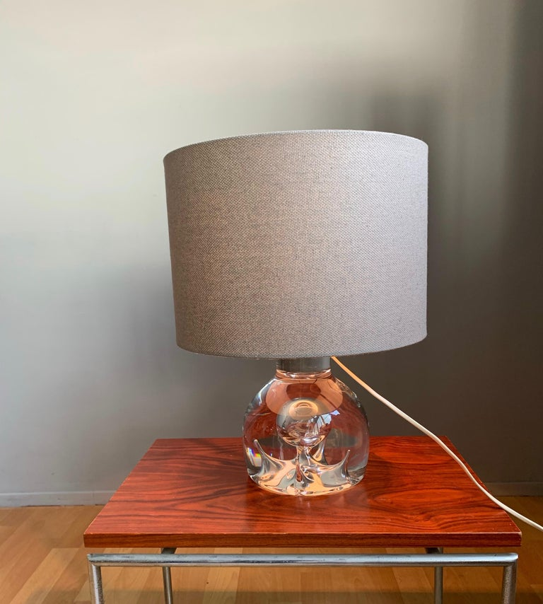 Good Size and Exceptional Design Italian Murano Glass Art Table Lamp, 1980s For Sale 1