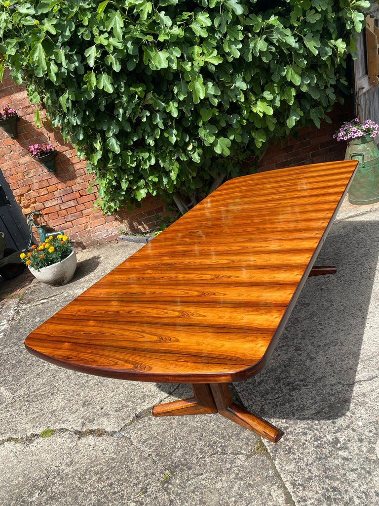 Gordon Russell Rio Rosewood Dining Table by Martin Hall Marwood Range, 1970 For Sale 1