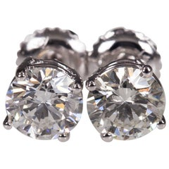 Gorgeous 1.72 Carat Round Diamond Stud Earrings in White Gold