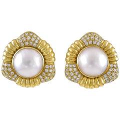 Gorgeous 18 Karat Yellow Gold with 1.50 Carat Diamond Pearl Earrings