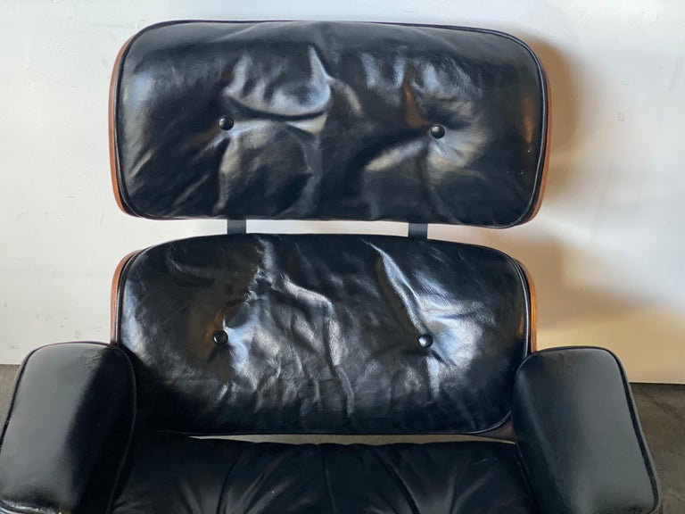Mid-Century Modern Gorgeous 1960s Herman Miller Eames Lounge Chair and Ottoman