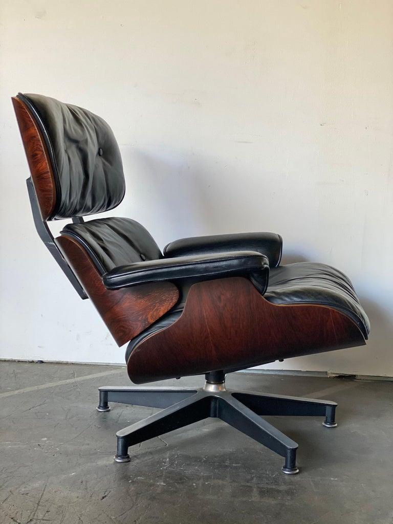 Gorgeous 1960s Herman Miller Eames Lounge Chair and Ottoman In Good Condition In Brooklyn, NY