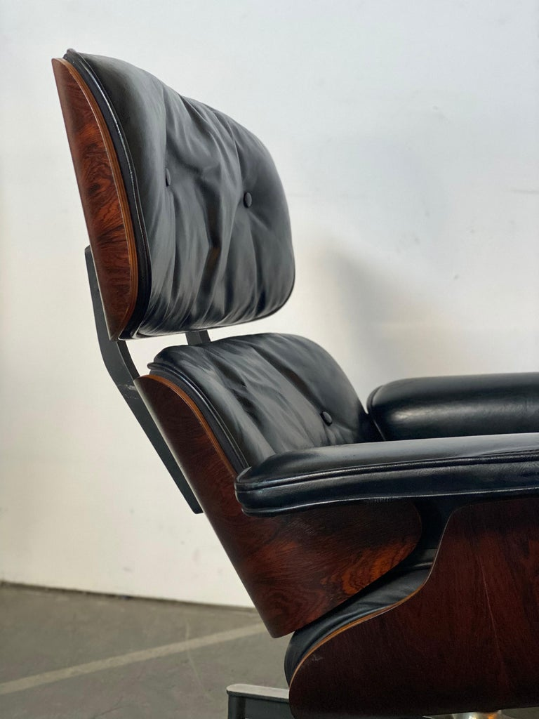 Gorgeous 1960s Herman Miller Eames Lounge Chair and Ottoman 1