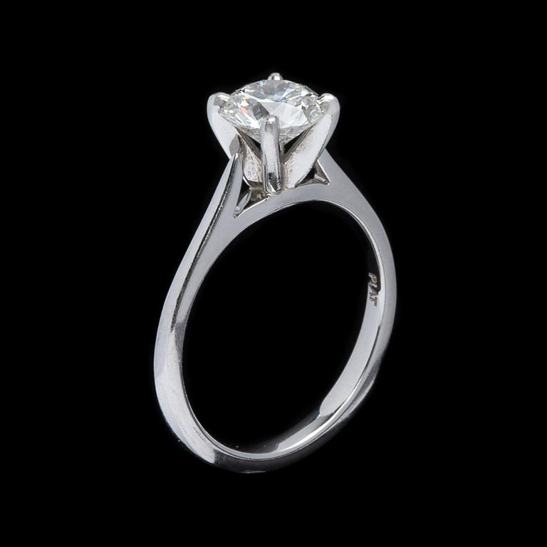Gorgeous .86 Carat GIA F/VVS1 Diamond Ring In Excellent Condition For Sale In San Francisco, CA
