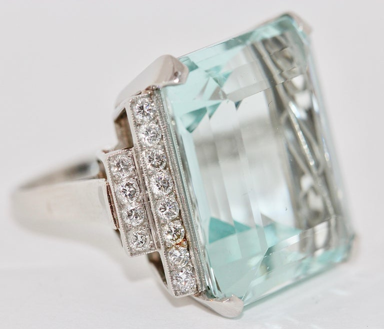 Modern Gorgeous 950 Platinum Ring with Large 34.8ct Faceted Aquamarine and 24 Diamonds For Sale