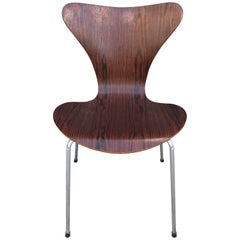 Gorgeous Arne Jacobsen Series 7 Chair in Rosewood