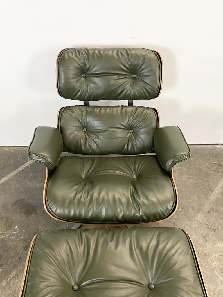 American Gorgeous Avocado Eames Lounge Chair and Ottoman For Sale