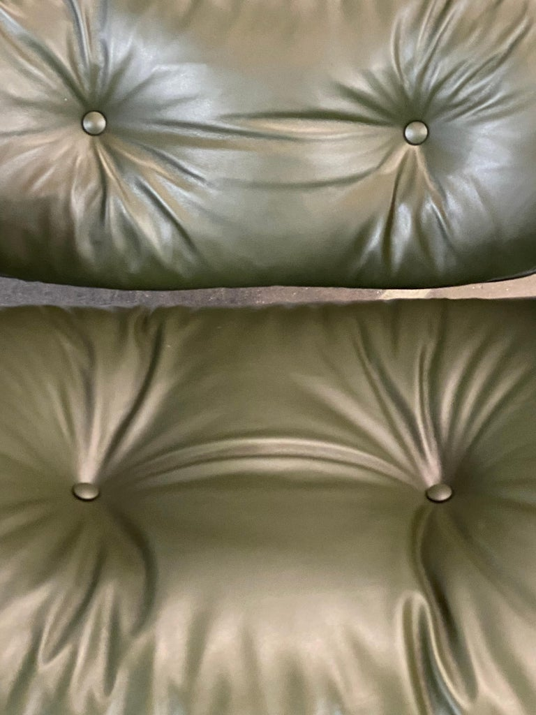 Leather Gorgeous Avocado Eames Lounge Chair and Ottoman For Sale
