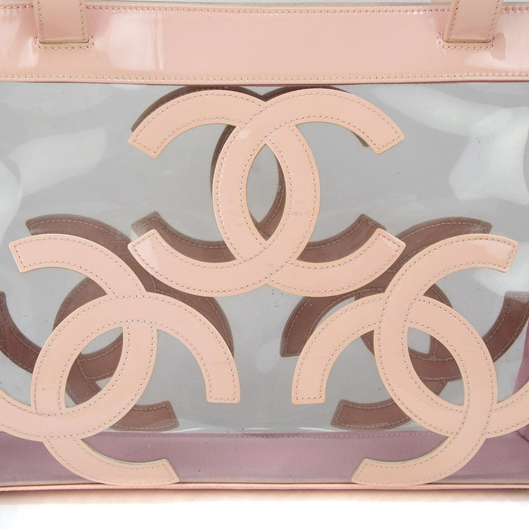 Gorgeous Chanel Nude / Pale Pink patent leather CC Logo Clear Tote Bag For Sale 3