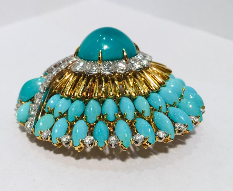 David Webb 35 Carat Persian Turquoise Diamond 18 Karat Yellow Gold Brooch Pin For Sale 2