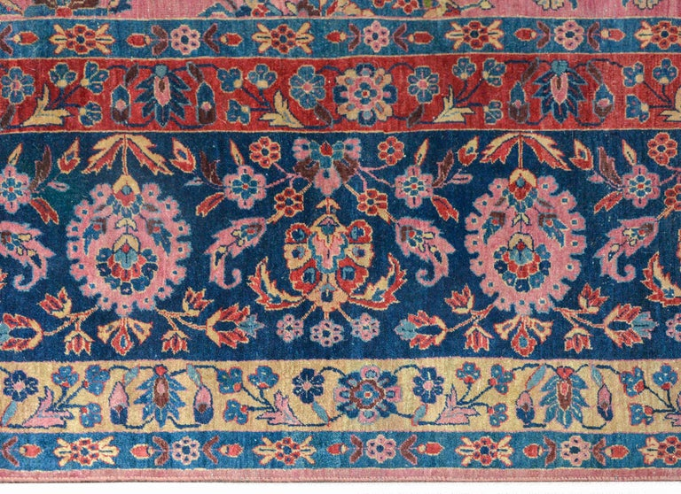 Gorgeous Early 20th Century Sarouk Rug For Sale 1
