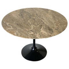 Gorgeous Eero Saarinen for Knoll Marble Round Dining Table