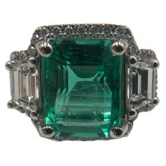 Gorgeous Emerald and Diamond Ring in Platinum