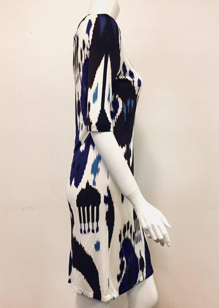 Gucci silk Ikat tribal print dress in blue, white and black is outstanding!  Ikat is currently one of the favorite fabric styles because each varies so greatly.  Steeped in Indian influences, the Ikat was originally specified for royal families.