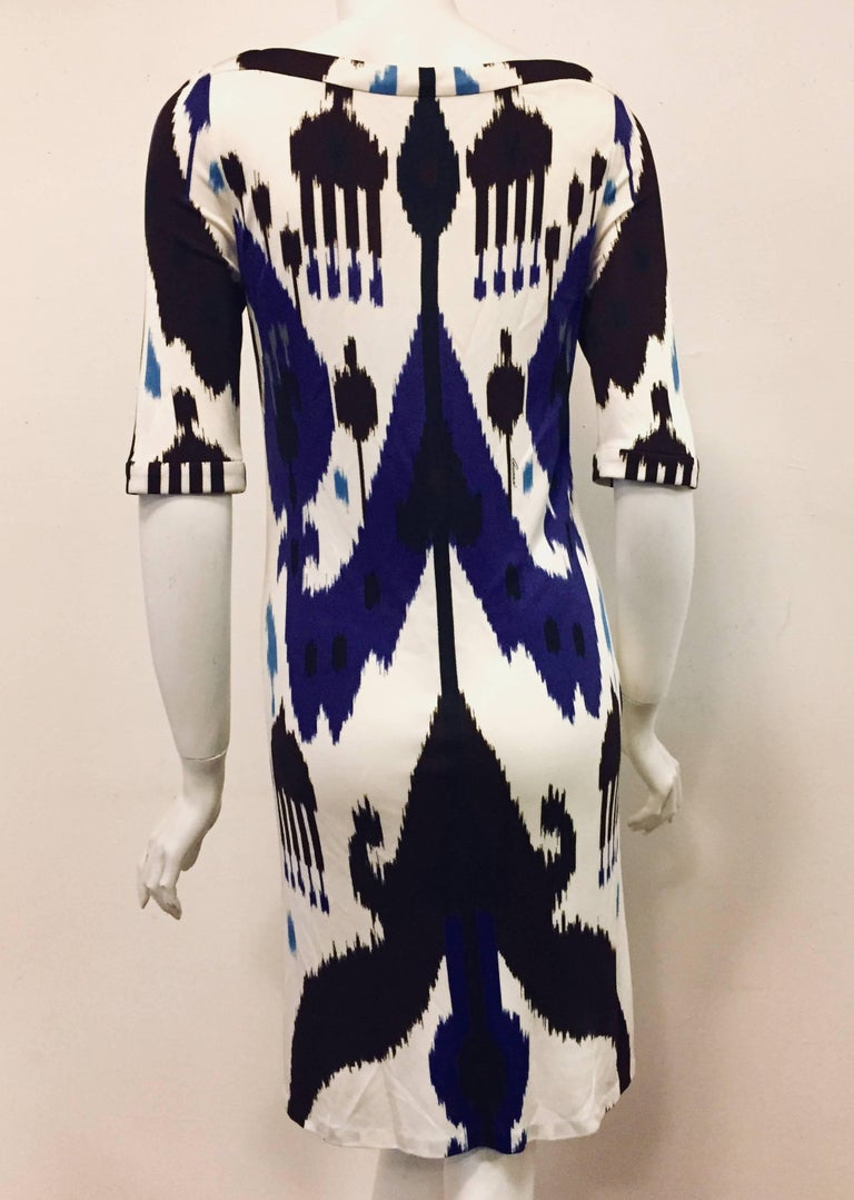 Gucci Blue, White and Black Ikat Tribal Print Silk Dress 42 EU In Good Condition For Sale In Palm Beach, FL