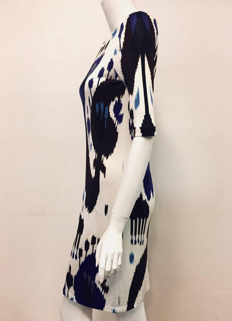 Gucci Blue, White and Black Ikat Tribal Print Silk Dress 42 EU For Sale 1