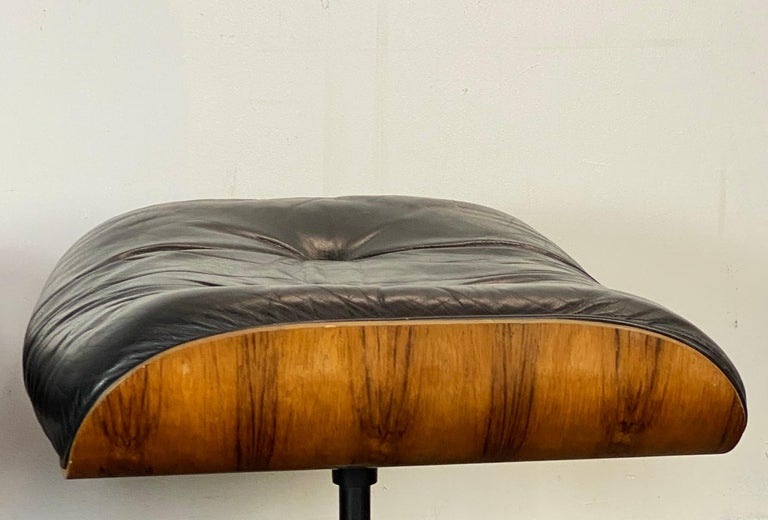 Gorgeous Herman Miller Eames Lounge Chair and Ottoman For Sale 5